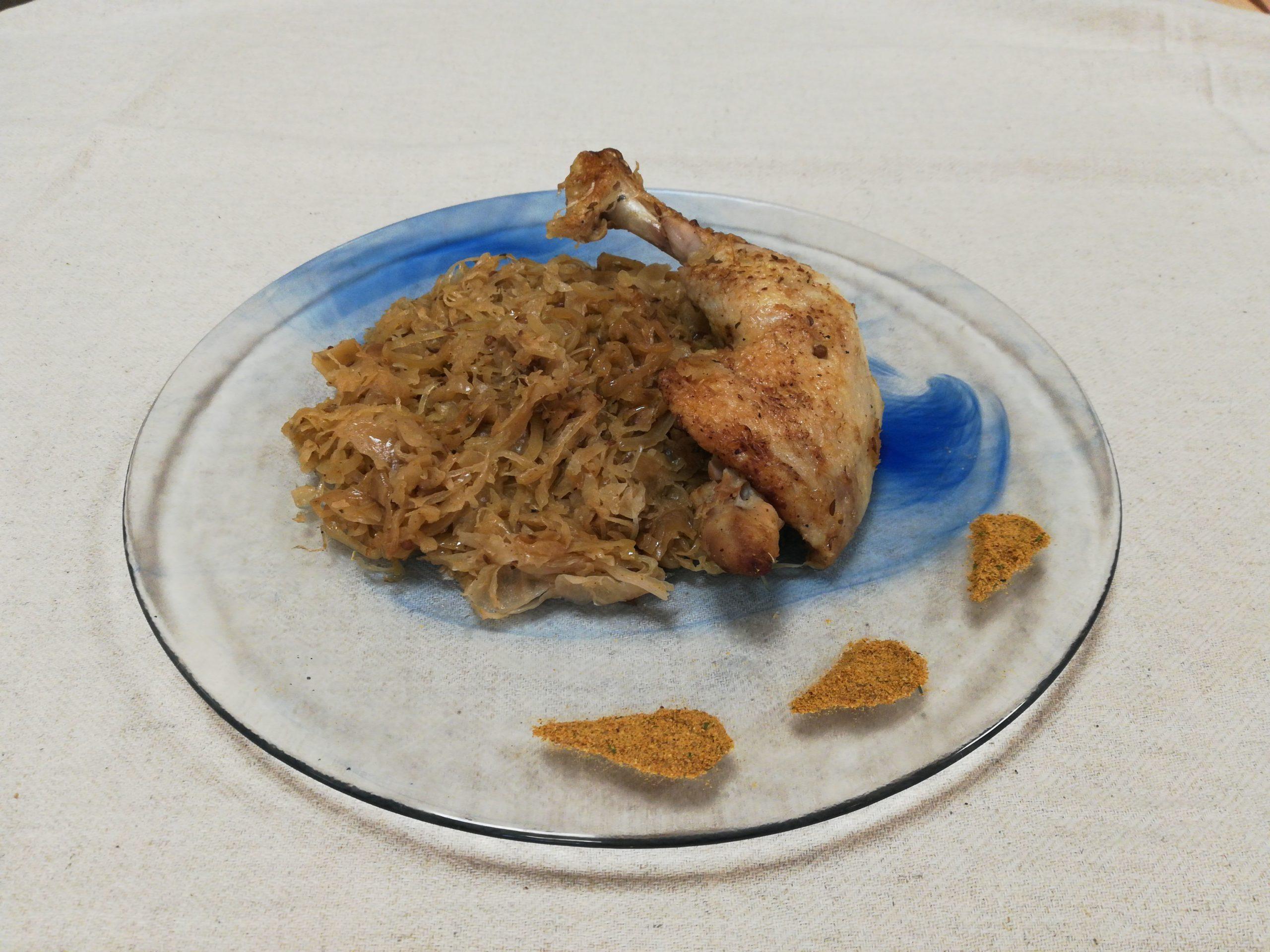 Choucroute aux épices traditionnelles, curry et poulet
